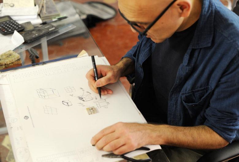 Gigi-Mariani_Artist_Goldsmith_Atelier-in-Modena-780x528